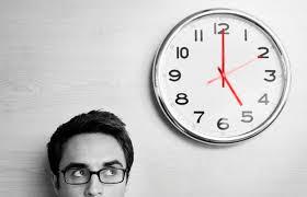 O valor do tempo no contrato de trabalho